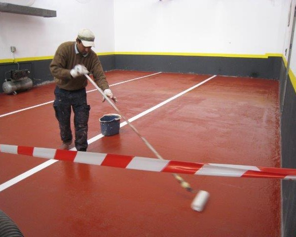 Suelo para garaje trendy colorido comercial moneda suelo for Pintura para suelos de garaje